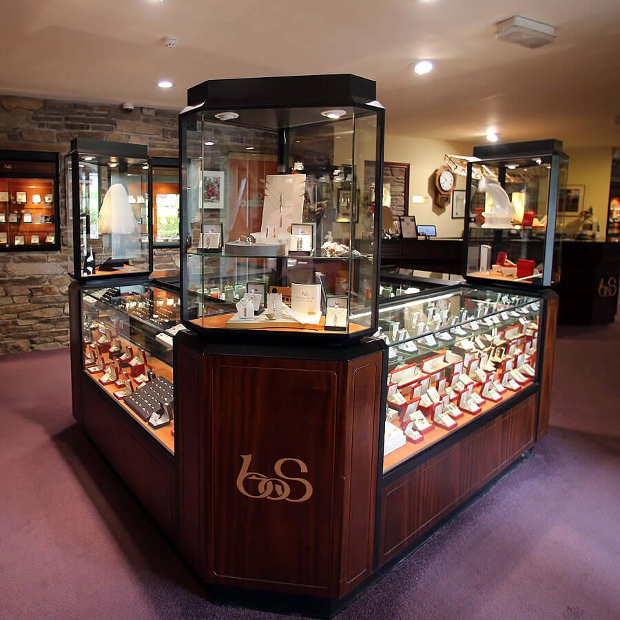 brian_de_staic_jewellery_dingle_shop_display_1383