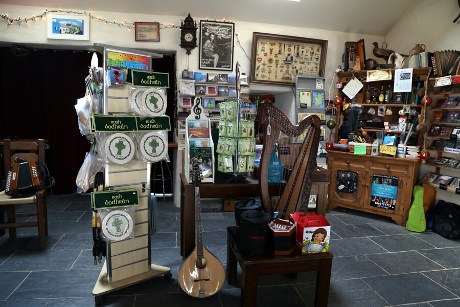 dingle_music_shop_0336